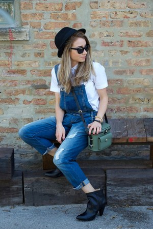 black ankle boots Frye boots - navy Sneak peek La jeans - white JCrew shirt