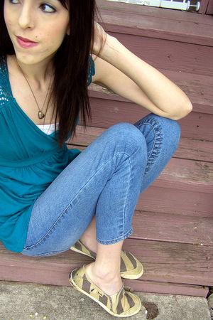 blue top - blue pants - brown shoes
