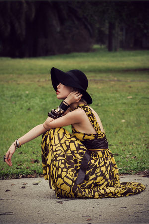 orange RandomStoreInBSC dress - black Eclipse hat - brown Aldo belt - black Nine