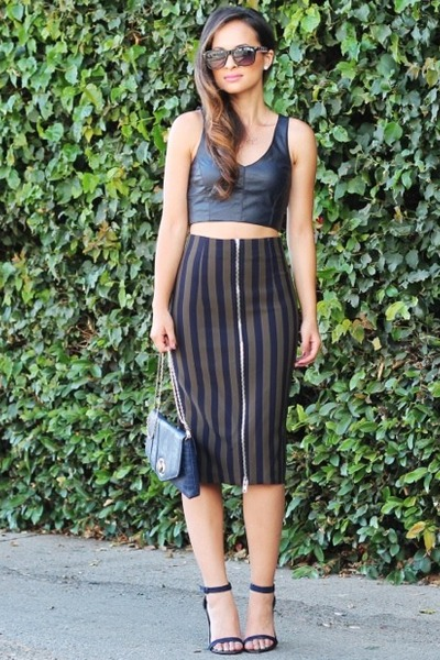 Zara skirt - reptile clutch Dailylook bag - crop top Zara top