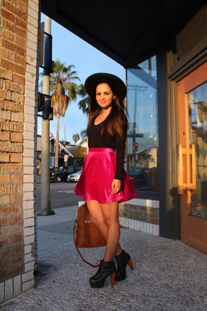magenta velvet Mink Pink skirt - black litas Jeffrey Campbell shoes