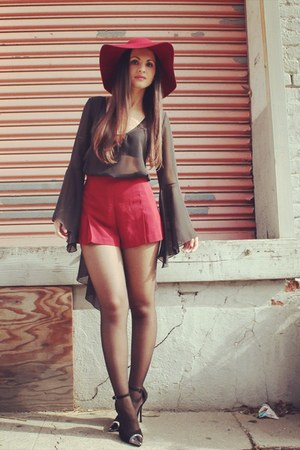 crimson floppy hat Nasty Gal hat - crimson Forever 21 shorts