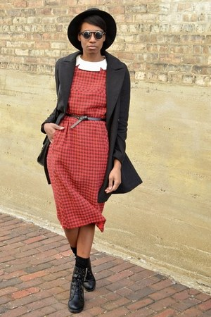 black thrifted boots - brick red vintage dress - black JollyChic coat