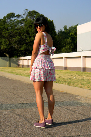 boat shoes Timberland shoes - floral Jay Jays dress - Mango sunglasses