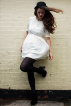 black chelsea boots Stylist Pick boots - ivory mini dress JARLO dress
