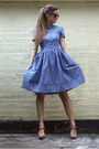 Sky-blue-french-connection-dress-tan-ugg-sandals