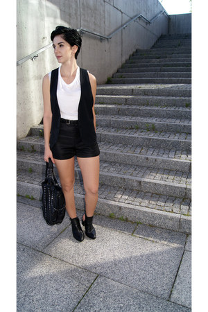 black Zara shoes - black studded bag Zara bag - black OASAP shorts