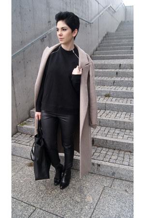 beige Zara coat - black Zara boots - black Zara sweater - black Zara bag