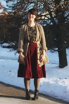 crimson corduroy Vintage Griffin skirt - brown knit zaras sweater