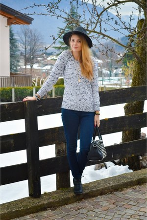 white knitted c&a sweater - denim Bershka jeans - vintage Choies hat