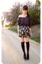 charcoal gray shirt - black socks - magenta flower Forever 21 skirt