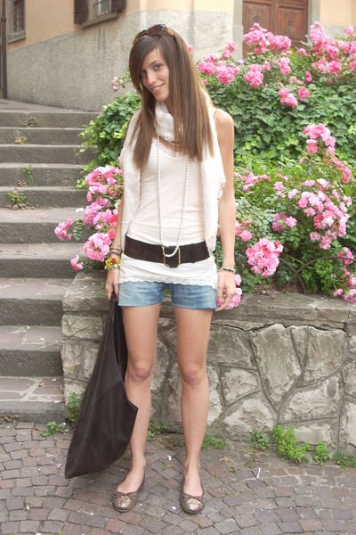 CPCOMPANY scarf - tezenis top - vintage belt - from old jeans cutted short short