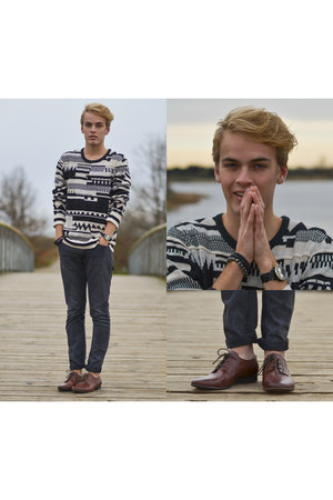 brown H&M shoes - black Levis jeans - tan Urban Outfitters sweater