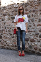 red Love Moschino bag - navy Mango jeans - red Zara sandals - white Zara t-shirt