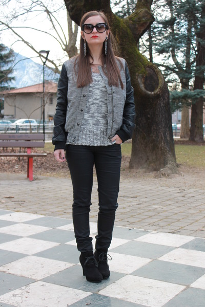 dark gray Bershka jacket - black Prada sunglasses - black H&M pants