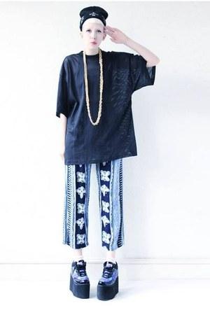 blue vintage Mind the Mustard pants - black platforms Cute to the Core shoes
