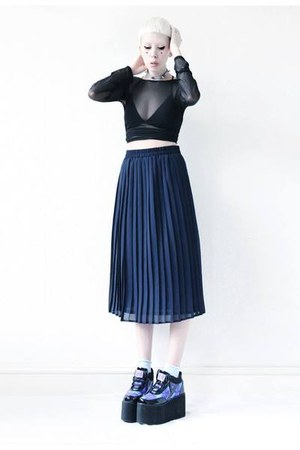 navy pleated Mind the Mustard skirt - black mesh Mind the Mustard top