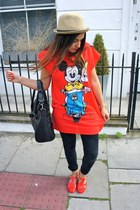 red vintage t-shirt - black Primark jeans - beige Urban Outfitters hat