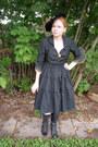 Black-lace-up-boots-black-vintage-hat-black-50s-vintage-jacket