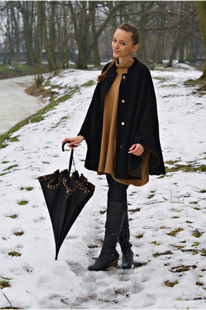 black second hand coat - mustard second hand cape - black no name accessories