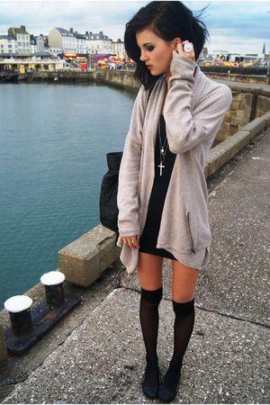 black Miss Selfige dress - beige Zara cardigan - black Sfera bag