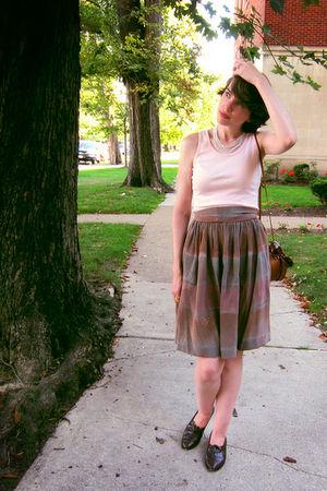 brown yard sale vintage shoes - brown gift vintage purse
