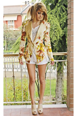 beige blazer - white shorts - tan heels - white blouse