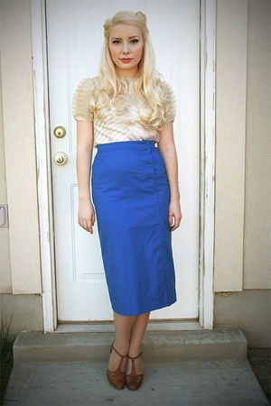 vintage blouse - vintage skirt - vintage shoes