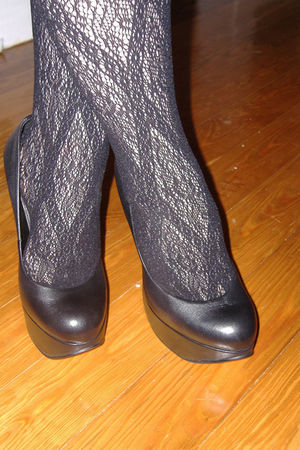 black Aldo shoes - black tights - black