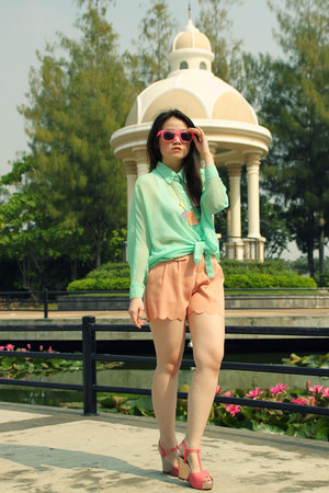 white sleeveless top - aquamarine see through shirt - peach scallop shorts