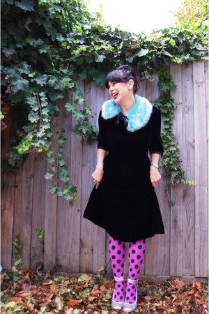 Happy Tights tights - vintage etsy dress - asos scarf - Wittner pumps