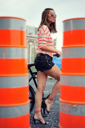 carrot orange Twenty top - navy Marc by Marc Jacobs shorts