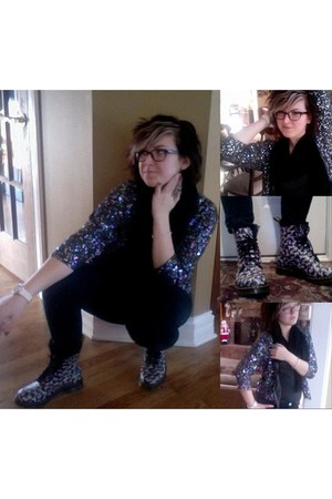 gray sparkly zip-up Urban Outfitters jacket - black Dr Martens boots