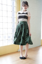 dark green modcloth skirt - white modcloth top - black modcloth flats