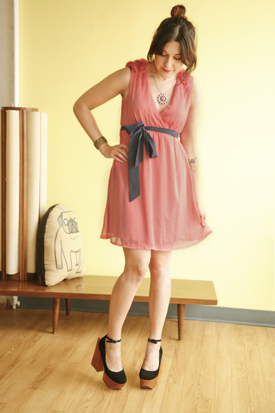 coral modcloth dress - salmon modcloth necklace - black modcloth heels