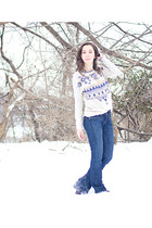 navy bootcut Gap jeans - beige aztec print Miracle City sweater