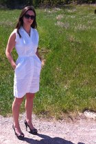 white vintage shirt dress - black sunglasses - white pearl necklace - heels