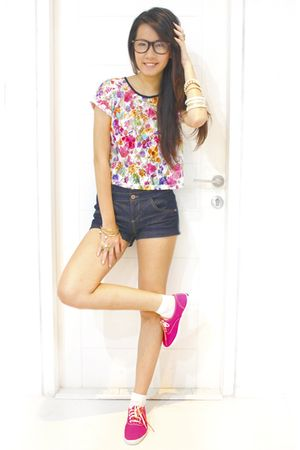 pink Keds shoes - blue Topshop shorts - white Topshop top