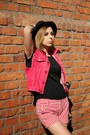 Black-h-m-hat-white-striped-zara-shorts-ruby-red-jeans-second-hand-vest