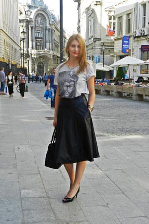 vintage skirt - Zara bag - Bershka t-shirt