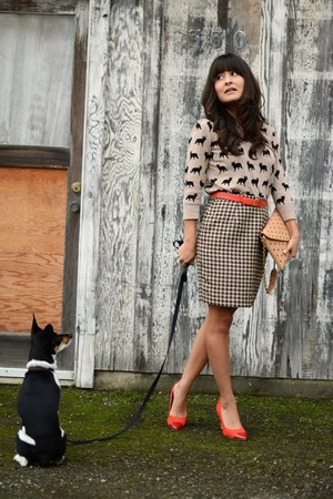 Forever 21 sweater - JCrew purse - thrifted vintage skirt - H&amp;M pumps