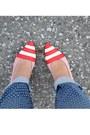 Red-vintage-pumps-navy-bullhead-jeans-navy-h-m-top