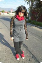 black Basement leggings - heather gray H&M dress - black Foster sunglasses