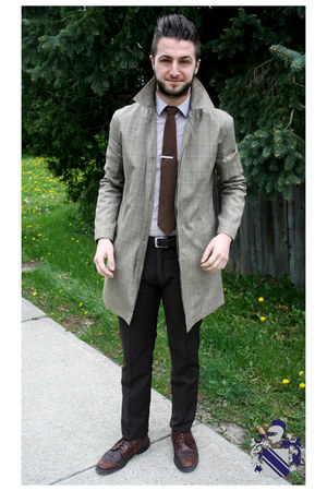 tan le chateau coat - crimson wingtip brouges thrifted shoes