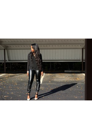 black leggings - black bag - beige pointy toed heels - black blouse