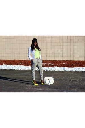 heather gray jogger pants - yellow shoes - white jacket - white bag