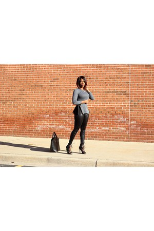 black liquid leggings - black oversized bag - black caged sandals
