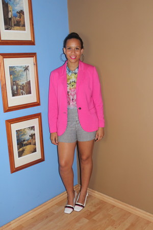 pink blazer - Urban Outfitters shorts
