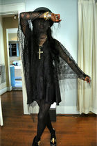 black accessories - black dress - black boots - black hat - silver necklace - go