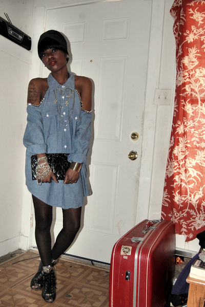 blue thrifted dress - black thrifted purse - black stockings - black thrifted sh